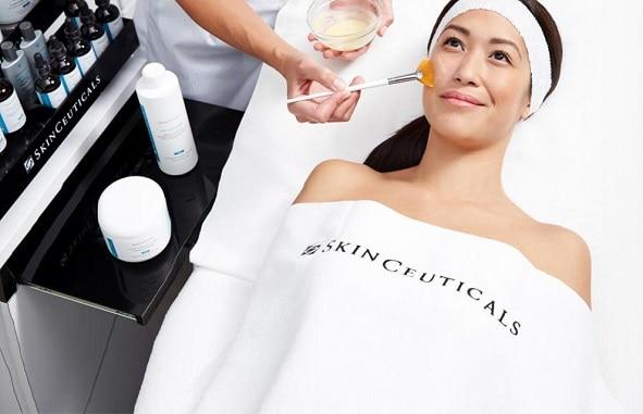 Skin Ceuticals behandeling peeling gezicht