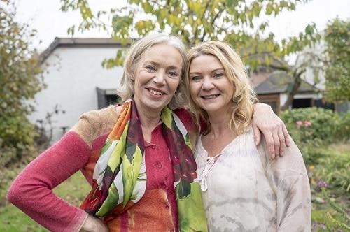 Schoonheidsspecialiste Astrid Koole samen op de foto met esthetisch arts Bébé Bertels