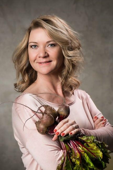 Astrid Koole auteur van het collageenkookboek heeft bietjes vast